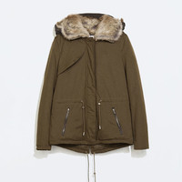 Parka with contrasting fur lining