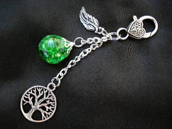 Tree of Life Green Crackle Glass Marble Leaf Nature Boho Keychain