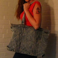 Big 1980s Acid wash Denim Purse. Large denim Zippered tote.