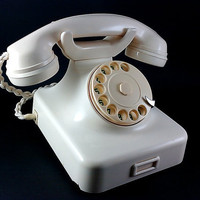 W48 - Vintage 1950's German Dial Bakelite Telephone with Bell Ring