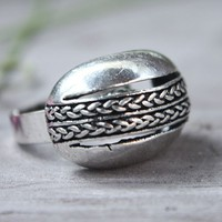 Vintage Adjustable Wicker Hollow-out Dome Ring at online cheap vintage jewelry store Gofavor