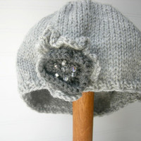 Classic Beret in Soft Grey/ Removable Beaded Flower Pin/ Flower Brooch