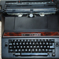 Vintage Brother Correct-O-Ball XL-I Model 7300 Electric Typewriter