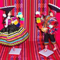 Set of 2 Peruvian Design Dolls with a typical costume of the mountain range.