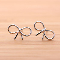 RIBBON stud earrings, in silver