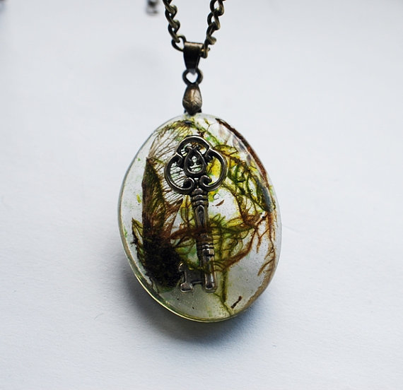 Lost Key Necklace Real Moss 02 Resin Jewelry Specimen Necklace Steampunk Woodland Charm