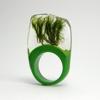 Moss and green resin Ring by sisicata on Etsy