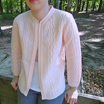 Pink Sweater Circa 1960s Cardigan Medium Size Vintage Women's  Knit Sweater Bee Cozy Warm