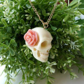 Rose Skull Necklace White
