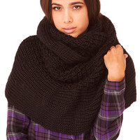 Chunky Purl Knit Infinity Scarf in Black