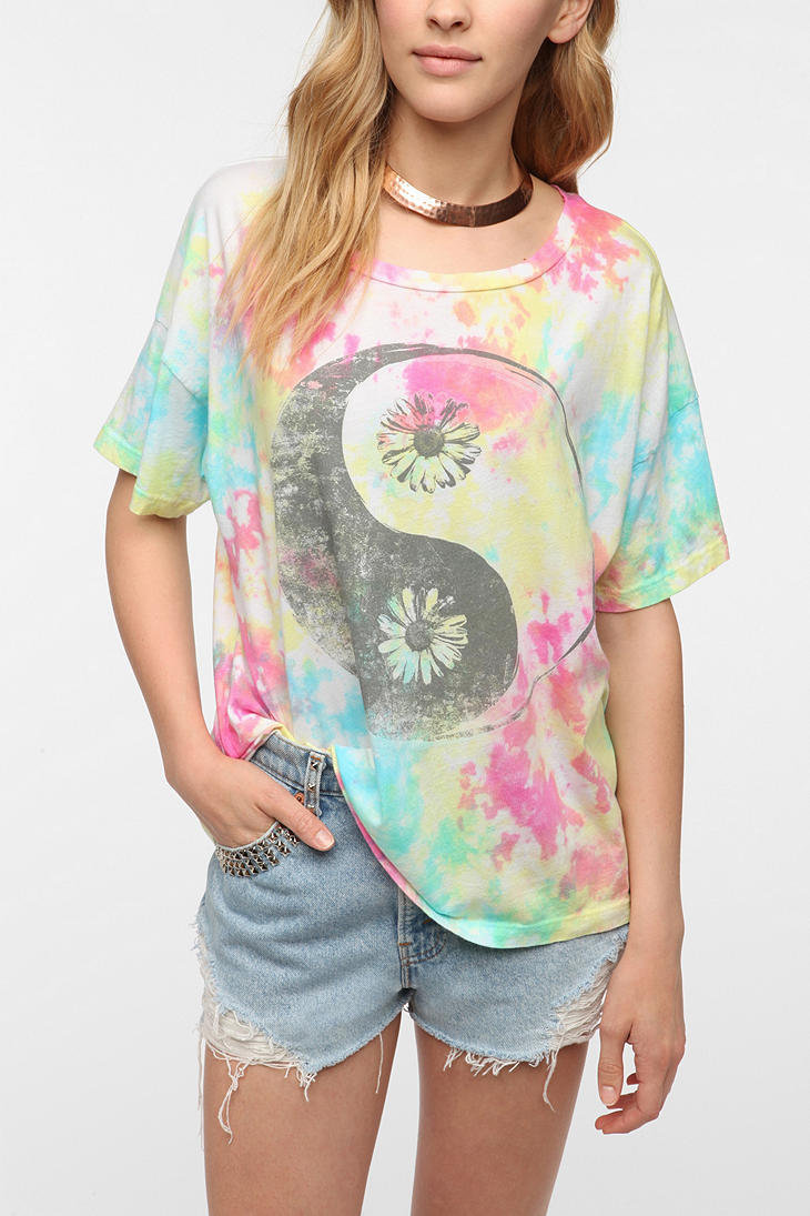 Hometown Heroes Yin-Yang Tie-Dye Tee