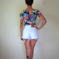 27 Waist // White High Waisted Denim Shorts // Levi&#x27;s 550 // Cut Off Jeans