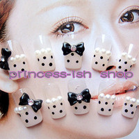 kawaii fake sweets nail art.