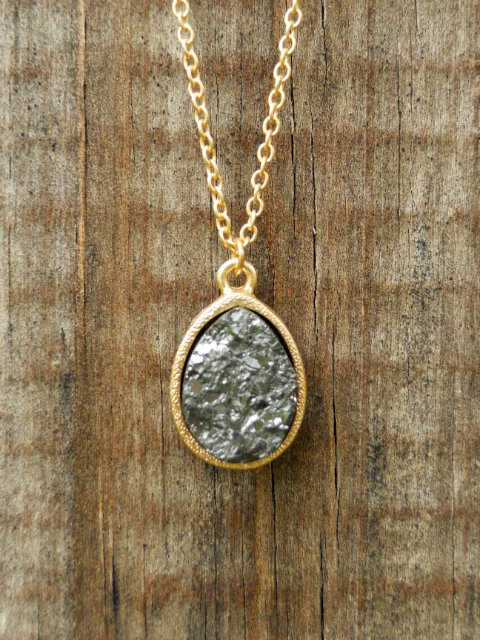 Sparkling Charbon Druzy Necklace [3141] - $12.00 : Vintage Inspired Clothing &amp; Affordable Summer Dresses, deloom | Modern. Vintage. Crafted.