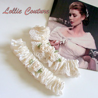 Retro Bridal Garters - Vintage lace and Petit Rosebuds - Wedding garter set