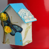 Mini house magnet, inspiration board, Turquoise House with yellow rose and butterfly