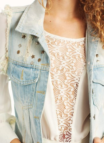 stud-embellished-distressed-denim-vest LTBLUE - GoJane.com