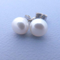Freshwater Pearl Stud Earrings - 925 sterling silver post - Simple everyday delicate jewelry