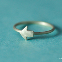 Tiny Arrow Ring by mxmjewelry on Etsy