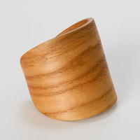 Hickory Cuff