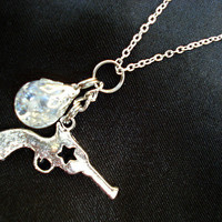 Revolver Star Crystal Crackle Glass Marble Necklace