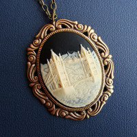 London Bridge Cameo by SimplyChacha on Etsy