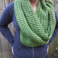 Apple Green Chunky Scarf, Infinity Scarf, Fall Winter, Women's Accessory, Cowl
