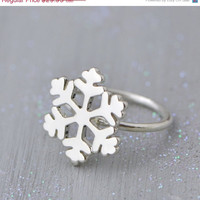 SALE Snowflake Ring - Sterling Silver Snowflake Jewelry - Winter Jewelry - Christmas Ring - Christmas Gift - Sterling Snowflake
