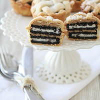 Oreo and Peanut Butter Layered Baby Lattice Pies | Picky Palate