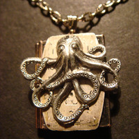 Victorian Style Steampunk Octopus with Watch Face Locket Necklace (430)