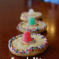 Eats / Sombrero Cookies · Edible Crafts | CraftGossip.com