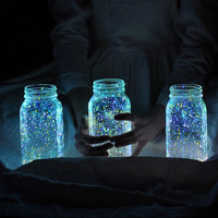 How to: Make Glowing Firefly Jars » Curbly | DIY Design Community
