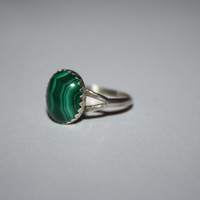 Silver Ring  with Elegant Green Stone Ring Vintage Sterling Silver Ring Size 6.5- Free US Ship