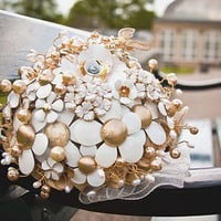 hairbowswonderworld: EDEN OF EVE - Vintage brooch bouquets with SARAH COVENTRY &#x27; Flower Flattery&#x27;