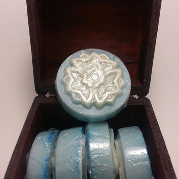 Goats Milk Soap, Snowflake, Tea tree, Vetiver, and Peppermint