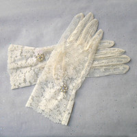 Ivory Lace Gloves, Lace Wedding Gloves, Ivory Gloves, Great Gatsby Gloves with Rhinestone Jewelry, Great Gatsby Party, Fashion, Accessories