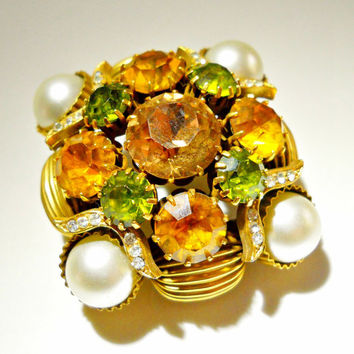 VENDOME Brooch Topaz Yellow Green Rhinestone, Faux Pearls Vintage