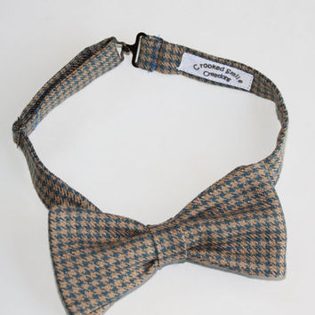 Houndstooth Bow Tie, Pre-tied in Beige Ecru and Blue, Men's Bowtie with Adjustable Strap, Gentleman's Tie with Free Shipping