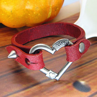 red leather heart-shape bracelet with screw buckle women or men jewelry bangle women leather bracelet 1030A-R