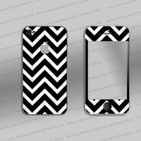 Iphone 4 cover - Chevron Black and White Pattern