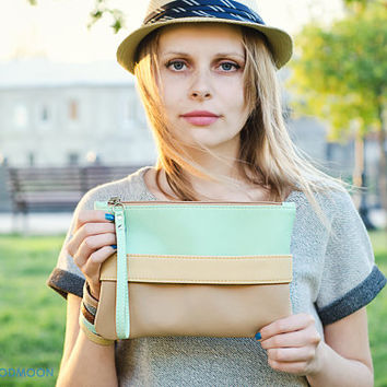 "Mint clutch ""CarryMe"", beige purse, vegan leather"