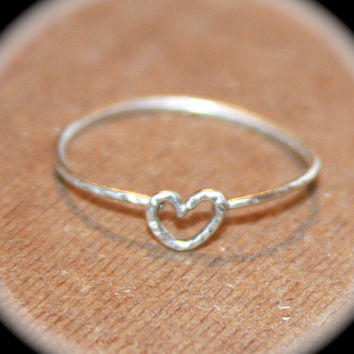 Tiny Heart Thin Ring, Handmade, Heart Knuckle Ring, Heart Stacking Wire Ring, Heart Ring, Thin Rings, Midi Rings, Thumb Rings