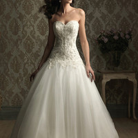 Allure : Style 8868 From AllureBridals.com