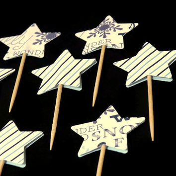 Blue Christmas Cupcake Toppers - 12 winter star food picks #Christmas #decorations #cupcakes