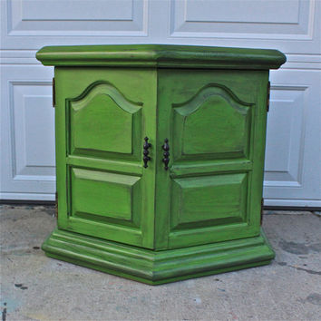 Retro Green Night Stand/ Retro End Table /Accent TV Cabinet/ Living Room Storage/ Bedroom Side Table