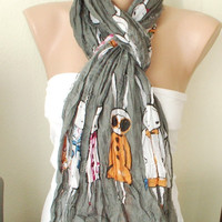 Five Bunnies are Shopping Dark Gray Cotton Long Scarf with wrinkle