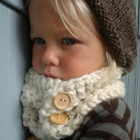 Crochet Cowl. Cream Color Soft Cozy Neckwarmer. Child Scarf.