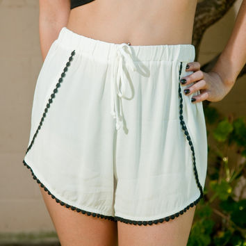 White Bell Trim Shorts – Gold Soul