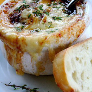 Foodie / French Onion Soup!! Seriously scrummy!! Served with hot crusty bread.