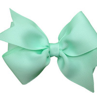 Pastel green hair bow - light green bow